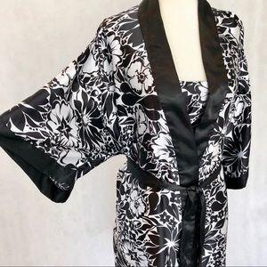 sante classics Intimates & Sleepwear - Sante' Classics Nightgown & Kimono Robe Set
